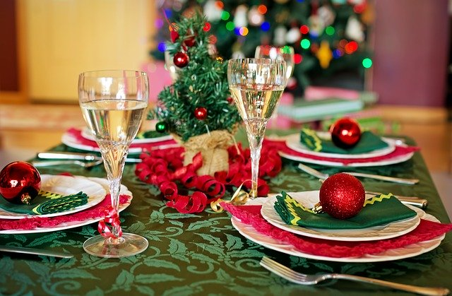 christmas table 1909797 640